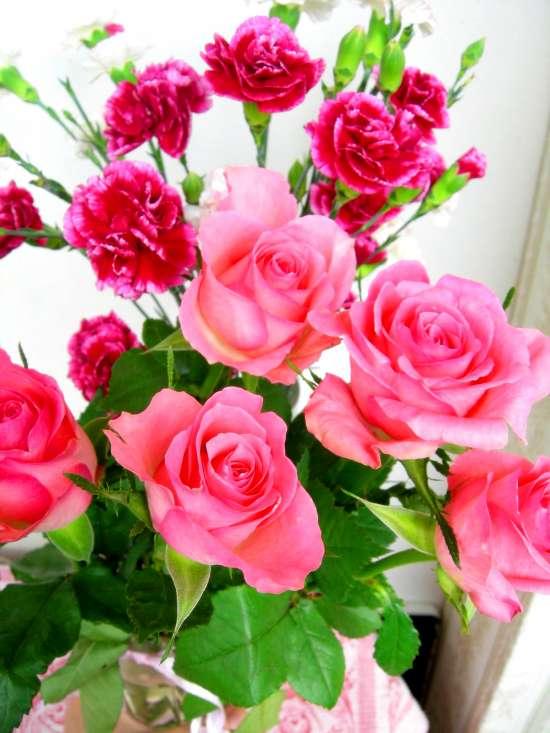 Картина по номерам 40x50 Розовые розы и гвоздики